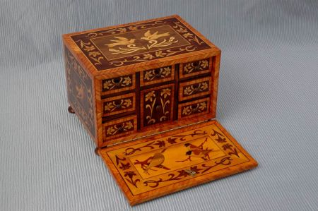 Legno ad arte artigiano del legno creazione e for Portaritratti legno